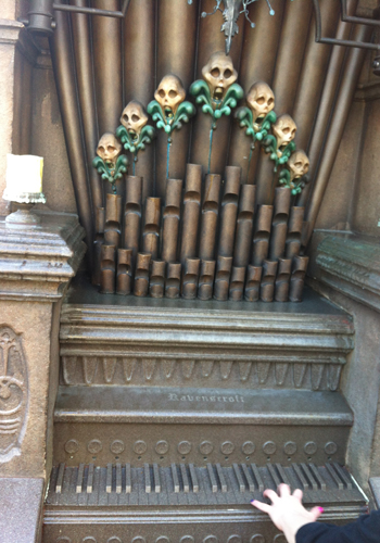 The playable organ at the Haunted Mansion