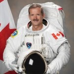 Commander Hadfield announces retirement