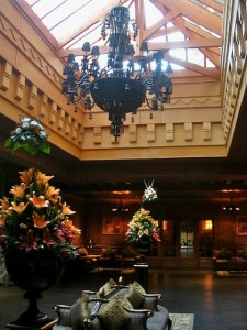 lobby-chandelier