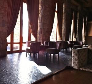 lobby-veranda