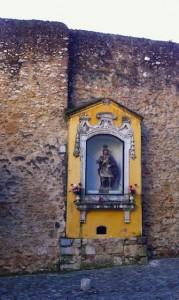 roman-shrine