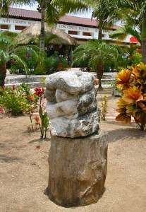 garden-snakestatue
