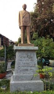 gaetano-statue