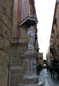 virginmary-statue