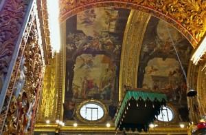 altar-ceiling