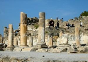 bouleuterion-columns
