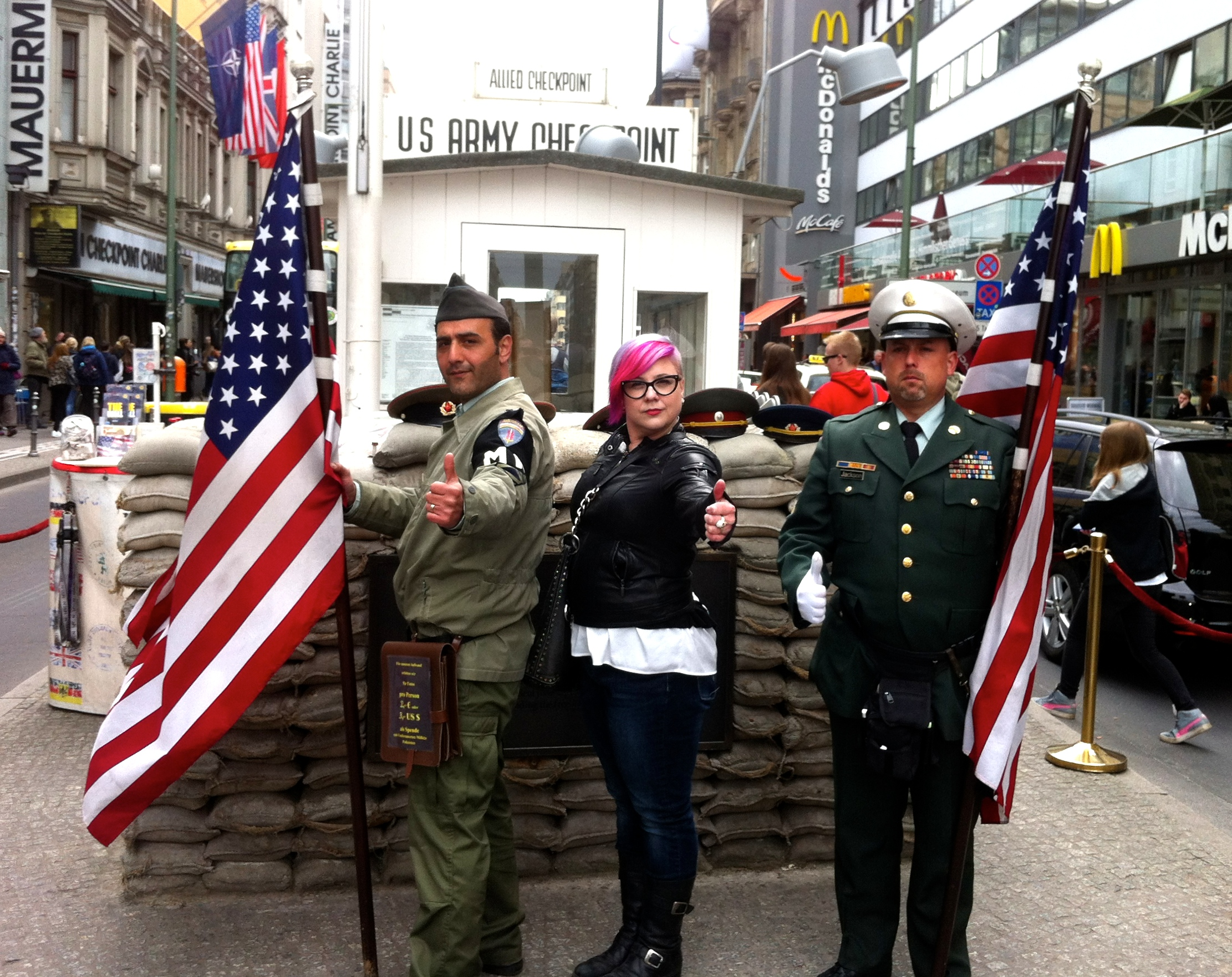 berlin sites checkpoint charlie museum photos. Black Bedroom Furniture Sets. Home Design Ideas